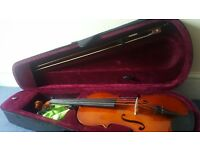 Viola full size like new with spare strings and rosin