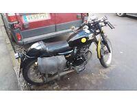 Sinnis 125cc Cafe Racer Motorbike