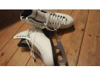 Roma ice skates