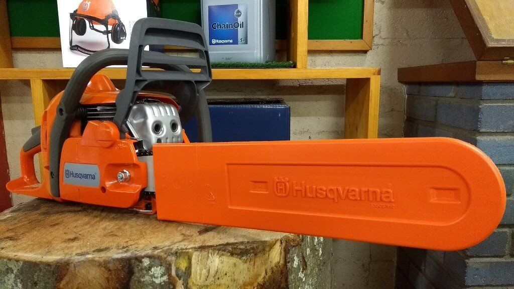 Husqvarna 135 Chainsaw 14in Bar and Free Litre 2 Stroke Oil