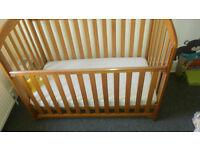 Child Toddler cot bed & Mattress from 0 to 4 year -ONLY £30