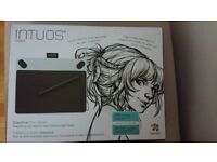 Wacom Intuos Draw Pen Tablet - Compatible with Windows and Apple