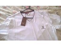 louis vuitton gents t shirt medium size brand new never worn still has tag