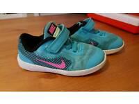 Girl nike shoes 7.5