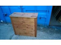 Solid wood 6 drawer chest of drawers in good condition. Can deliver free