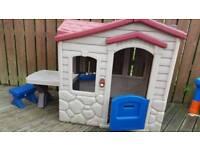LITTLE TYKES cottage/playhouse
