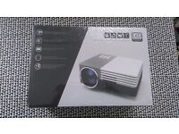Led projector ,new box unopend
