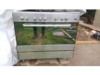 5 gas burner (inc 1 wok) + Electric oven and hood