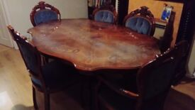 BEAUTIFUL LOUIS STYLE TABLE AND 5 CHAIRS