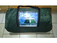 Regatta 6man tent never been used like new model 927/5881(D) can deliver or post!
