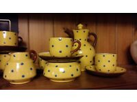 Coffee pot set with cups and saucers etc