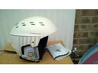 Ski / Snowboard Chinook Helmet by Tecno Pro. Size L 58-60cm