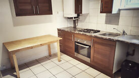 Spacious 3 Bed Flat to Rent For a short term (3 Months ONLY)