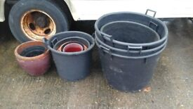 """VARIOUS POTS 12 IN TOTAL 11 Plastic 1 Clay INCLUDING 3 X 36"""" LARGE POTS"""