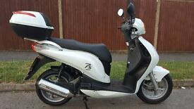 honda pes 125 2011 in immaculate condition garage kept from new only 8600 miles