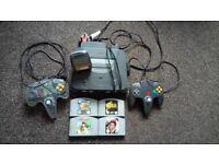 Nintendo 64 Bundle - 2 Controllers + 4 Games (Castlevania, TLOZ, Diddy Kong Racing, 007 Goldeneye)