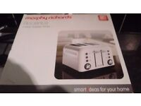 MORPHY RICHARDS 4 SLICE WHITE TOASTER BRAND NEW