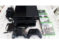 Xbox one 500GB + 2 controllers + kinect + 2TB ext hard drive + 4 games