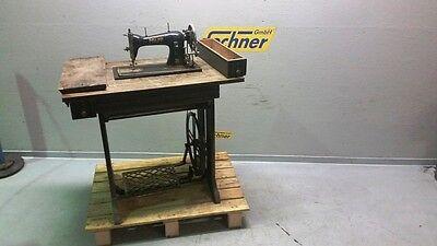 Standart Nähmaschine PFAFF 31 Holz Tisch schmiedeeisernes Metallgestell