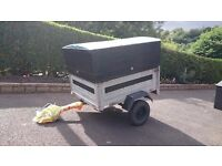 Erde 122.2 car trailer with wooden cover ,good condition