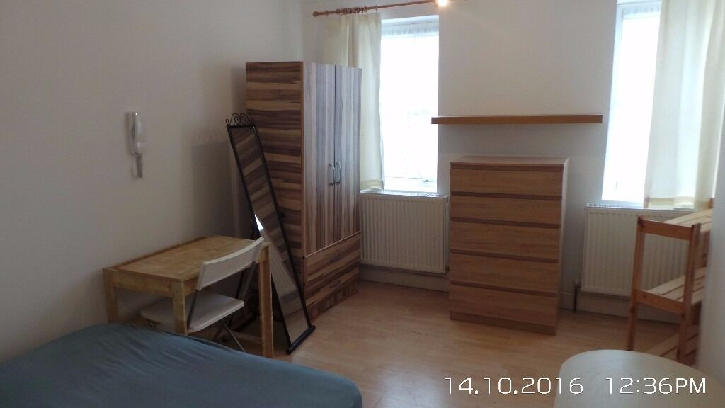 1/2 Bedroom Flat To Rent In Whitechapel, Couple Of Mins Walk From Station & Close To The City