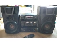 Technics SC-EH60 Amplier, Tuner and Multi-CD player with surround speakers.
