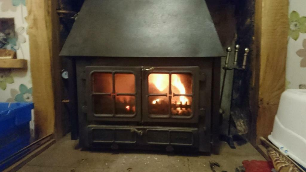Hunter Midi 20 Wood Burning Stove In Huntly