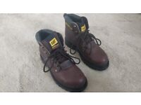 Caterpillar CAT Safety Boots Size 4 P9430