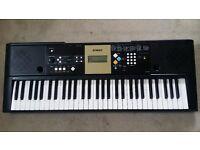 Yamaha YPT220 Piano keyboard - 61 keys (Works fine)