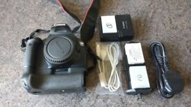 Canon 550D body only + Canon BG-E8 Battery Grip + Accessories (Boxed)