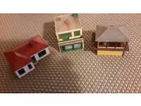 3 x Hornby Tring 'oo' gauge buildings. £15 for all.
