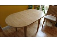 Solid pine extendable oval dining room table