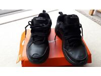 2baf0c950bf0 MENS NIKE AIR MONARCH TRAINERS - Size 9.5