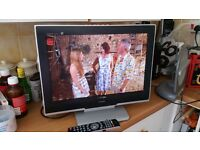 "toshiba 19"" tv with built in freeview and hdmi port"