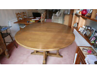 Old Charm Extendable Round Dining Table And Chairs In Light Oak