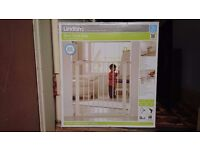 Lindam Sure Shut Axis Stair gate - UNUSED, BNIB