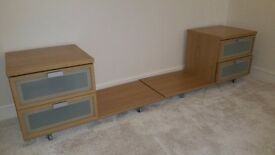 Two bedside units