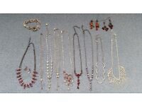 Women 9 Necklaces, 3 Pairs of Earrings, 1 Bracelet, Good condition,Contact me asap,Cheap ALL for £15