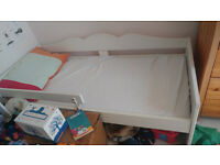 Toddler bed - Ikea Sultan with mattress