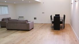 MASSIVE 3 BED 3 BATH APARTMENT IN CONVERSION - HOLLOWAY