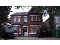 Fully decorated lovely 1 bed Flat in detached Victorian Building near Richmond