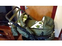3 in 1 travel system/ buggy / Pram / car seat