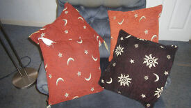 4 Pretty Scatter Cushions