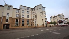 Furnished flat with one double room available. Well decorated. Great location and amenities .