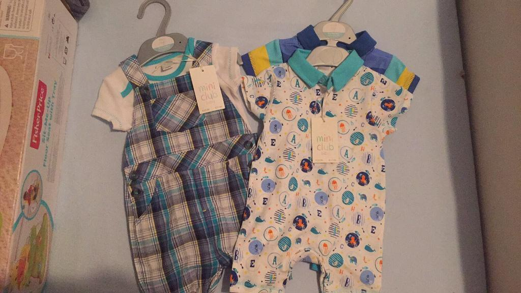 Boys 0 3 months new clothesin Milton Keynes, BuckinghamshireGumtree - Brand new with tags dungaree set, 2 x romper suits, 2 x matching outfit sets RRP £50
