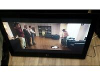 """LG 42"""" Full HD Plasma TV with Freeview With Wall Bracket £120"""