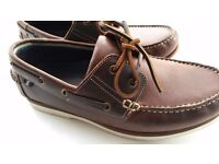 Men's brown waxed deck shoes