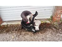 Baby Car Seat (from newborn to 1 yr) - Good quality; with brand new strap pads
