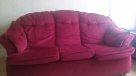 3 seater Sofa for FREE Immediately available - Ilford - contact 07438263605 / 07405375992