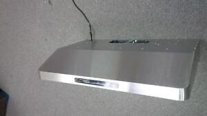 RANGE HOOD- NEW DESIGN - SUPER SLIM - BAFFLE GRILLS